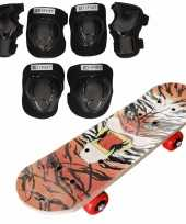 Set van skateboard 81 cm met tijgerprint en valbescherming maat s 4 tot 5 jaar